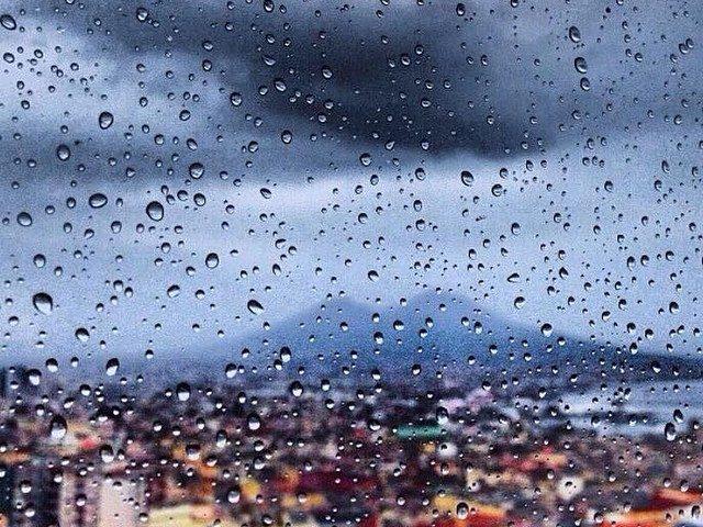 Piange Napoli